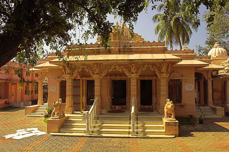 Jain Temple in the old part of Fort Cochin Kerala.jpg